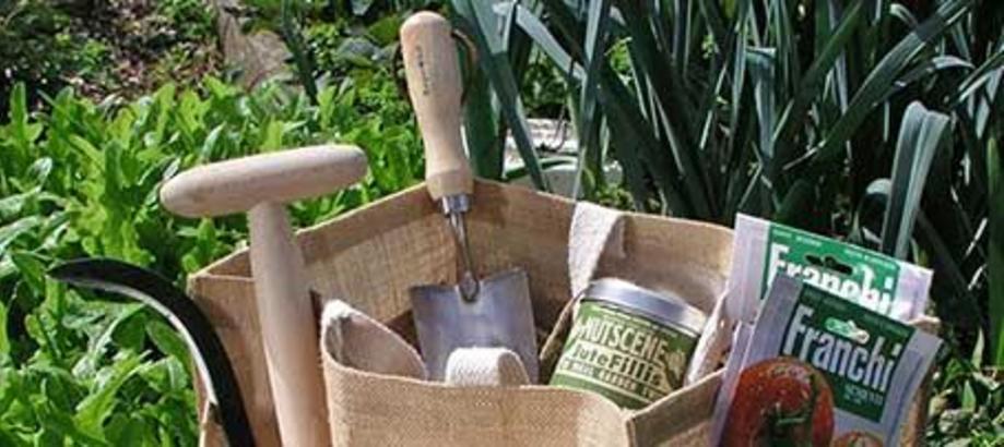 Header_for-the-gardener-urban-garden-revitalising-garden-bag-set