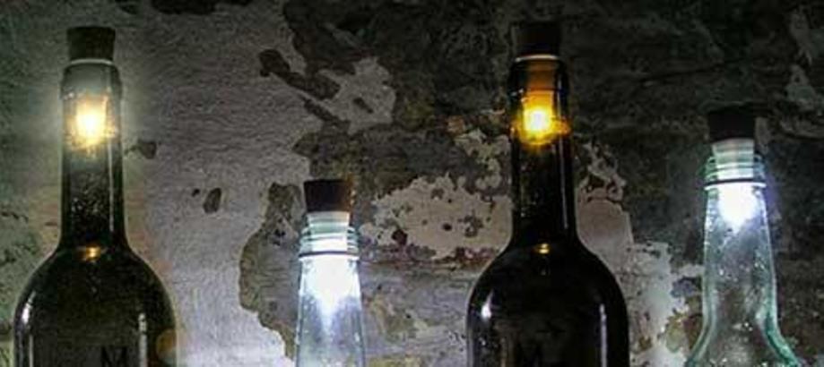 Header_alfresco-living-adding-atmosphere-bottle-lights