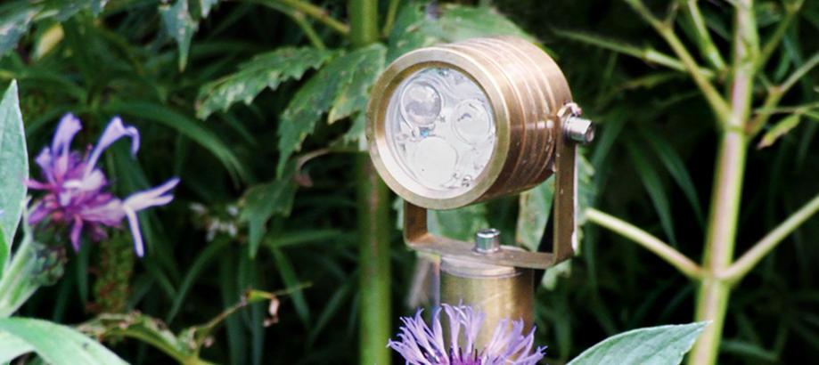 Header_outdoor-lighting-brass-garden-zone-elite-plug-_-go-spot