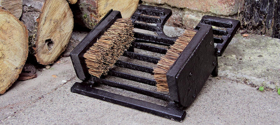Header_for-the-gardener-boot-room-cast-iron-boot-scraper