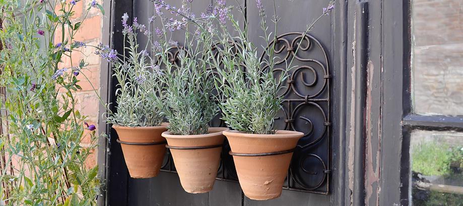 Header_for-the-gardener-gifts-for-her-moroccan-pot-holder