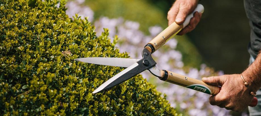 Header_for-the-gardener-gifts-for-retirment-japanese-pruning-sheers