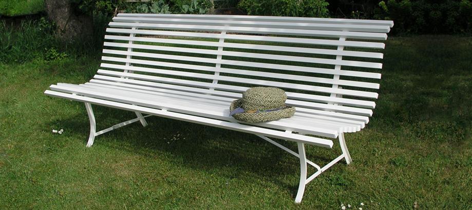 Header_outdoor-furniture-relaxing-benches-louisiane