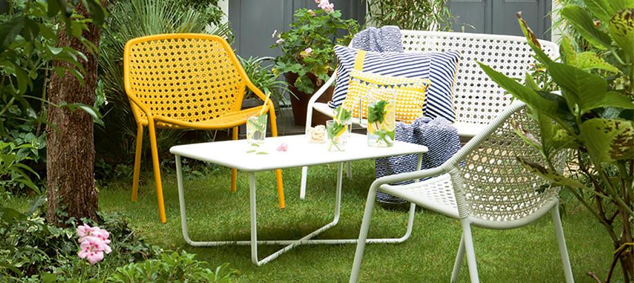 Header_outdoor-furniture-outdoor-space-courtyard-croissette