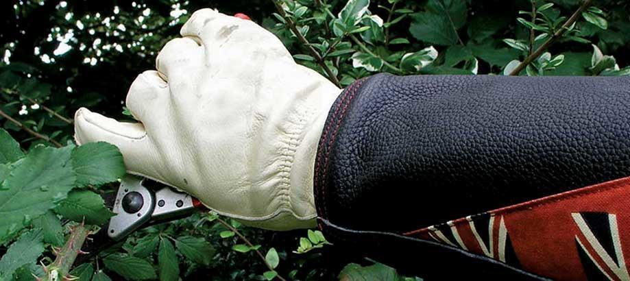 Header_garden-services-made-in-the-uk-gloves