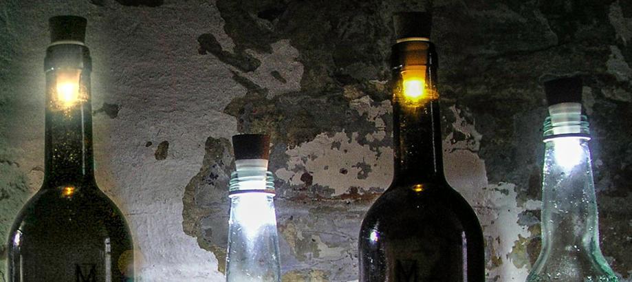 Header_alfresco-living-alfresco-atmosphere-bottle-lights