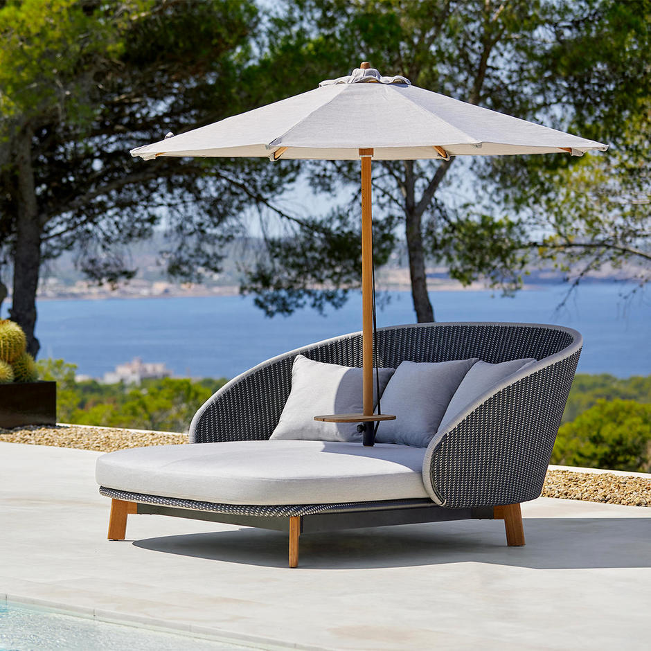 Low Classic Parasol for Peacock Daybed
