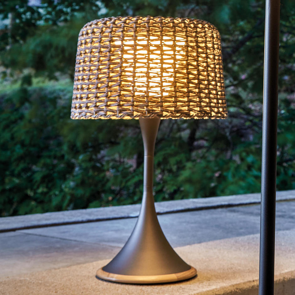 Ambient Mesh Solar Table Lamp