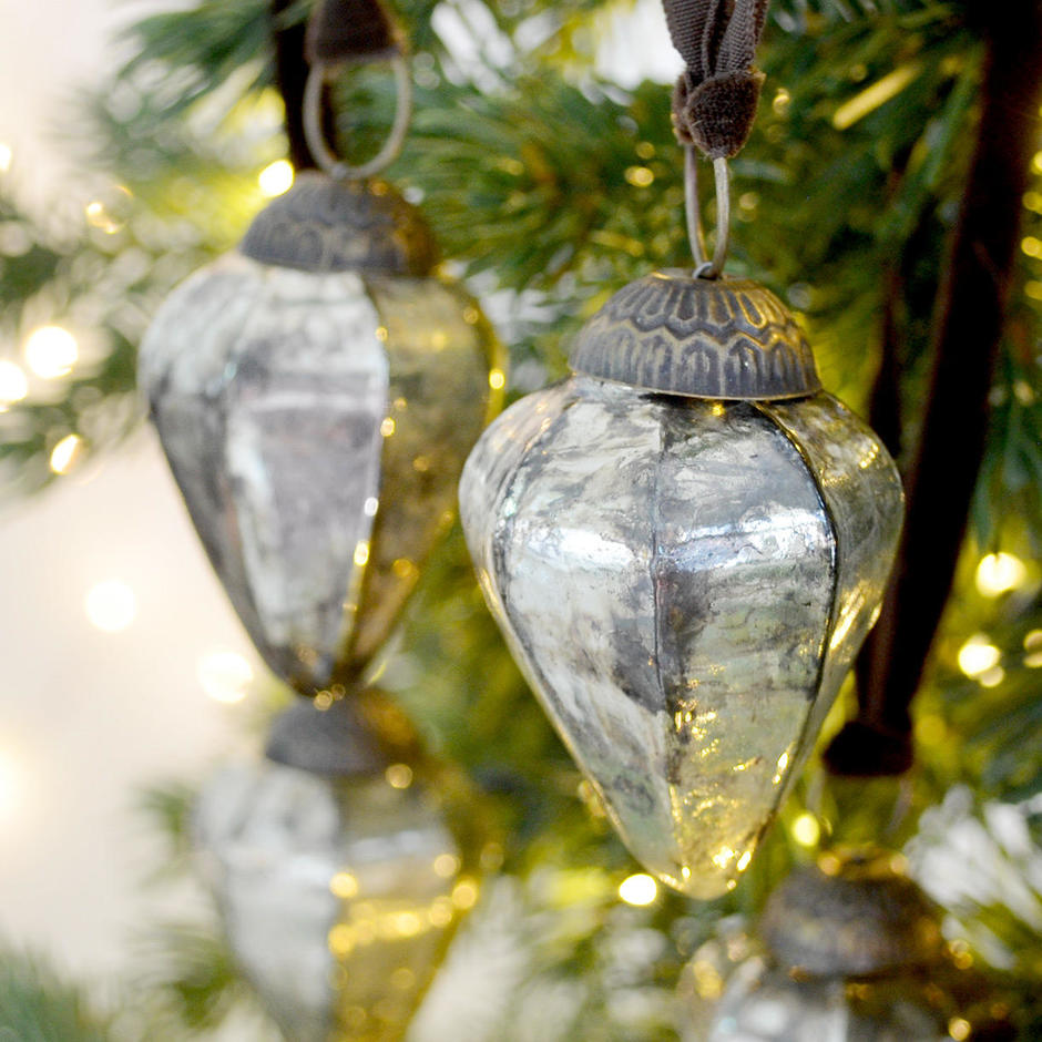 Ribbed Mercury Glass Drop Baubles