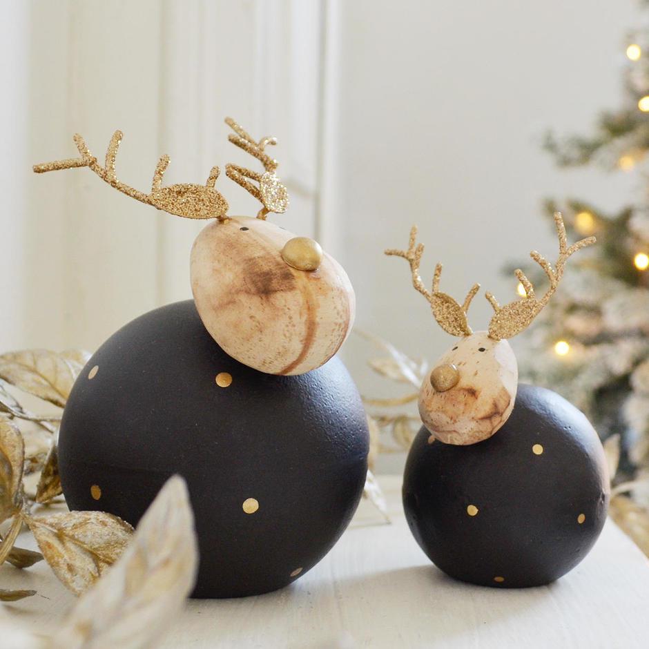 Round Midnight Reindeer Decoration