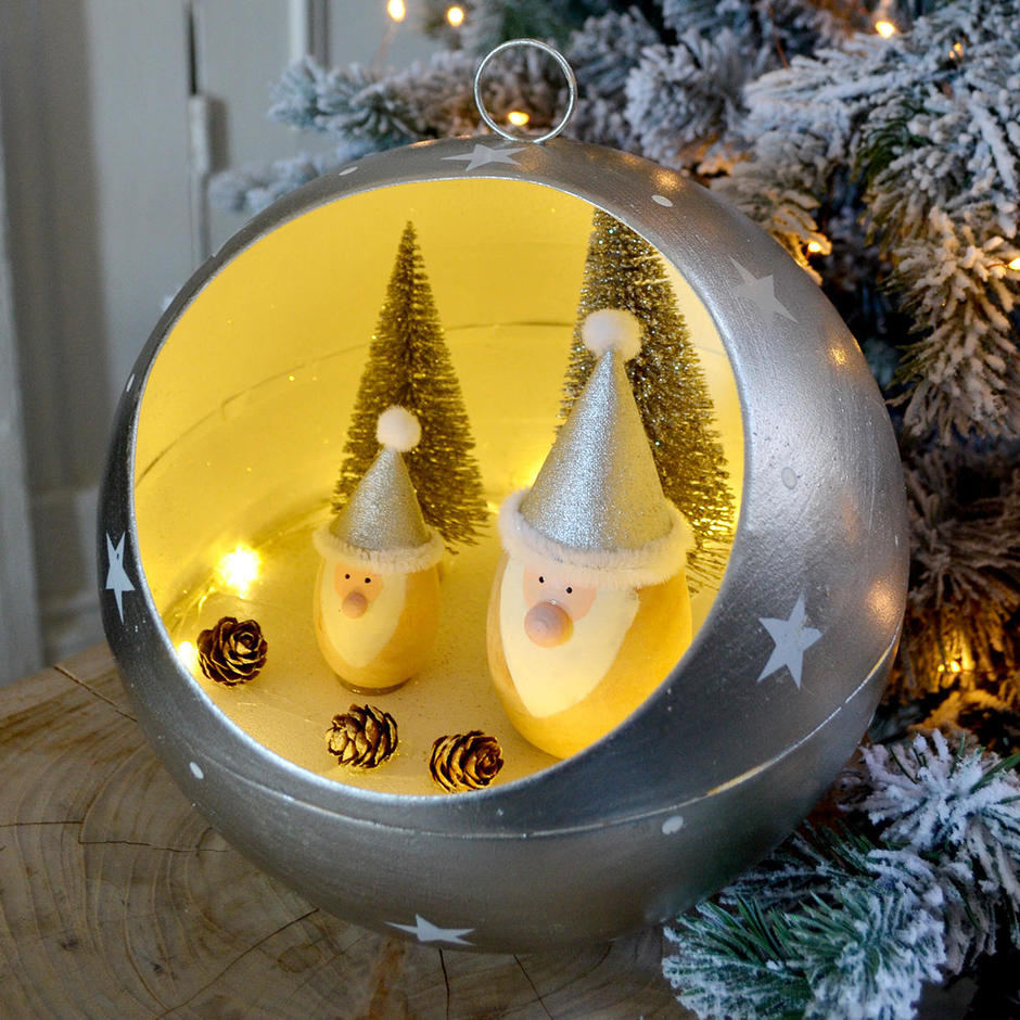 Santa LED Bauble Christmas Tree Scene