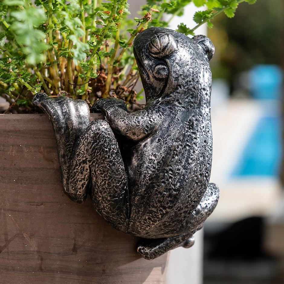 Froggy Plant Pot Decoration