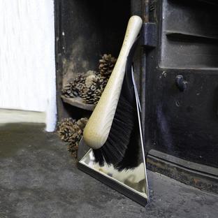 Steel Dustpan with Horsehair Brush