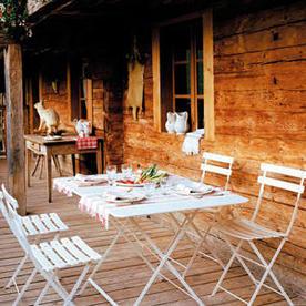 Bistro 117x77 Table