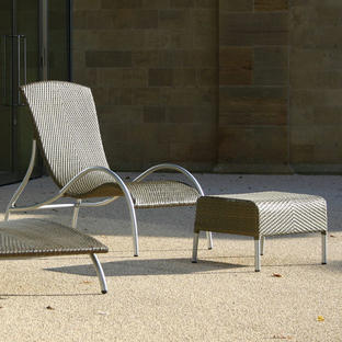 Flow Relaxing Lounge Chair