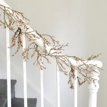 Glittered Berry Garland Decoration - Antiqued Gold